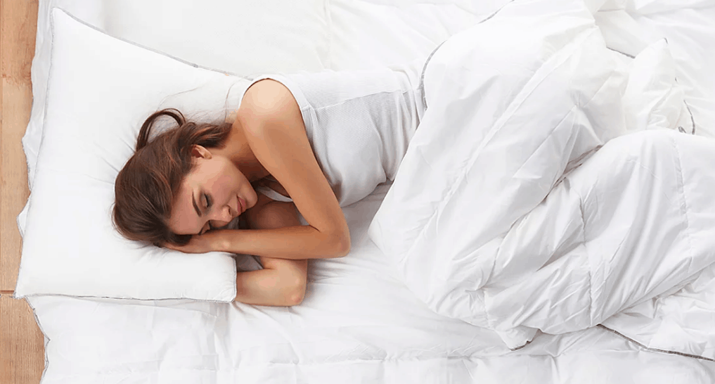 5 Benefits of Sleeping with Your Legs Elevated